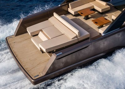 Alia-16-yacht-flexiteek-decking